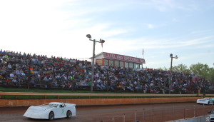 Cleveland Speedway to continue racing on Friday nights in 2015