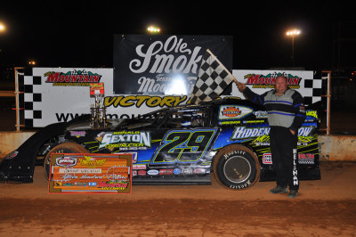 Welshan returned to Victory Lane at SMS.