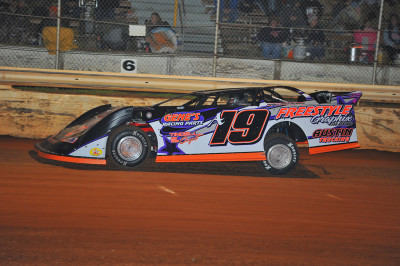 Jason Hiett won his second Limited Late Model feature in as many weeks.