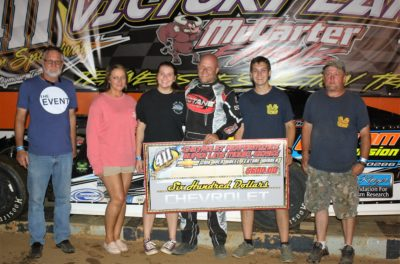 Shon Flanary and crew celebrate in 411 victory lane